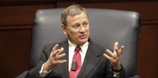 Conservatives blast Roberts as turncoat