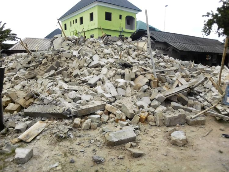 HEAVY DISASTER: Two Storey Building Collapsed in Warri many