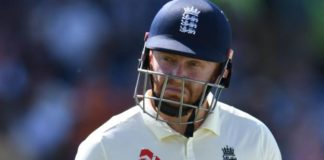 Ashes 2019: England 67 all out as Australia close in on Ashes