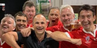 Jaco Peyper: World Rugby omits fan-picture referee from semi-finals